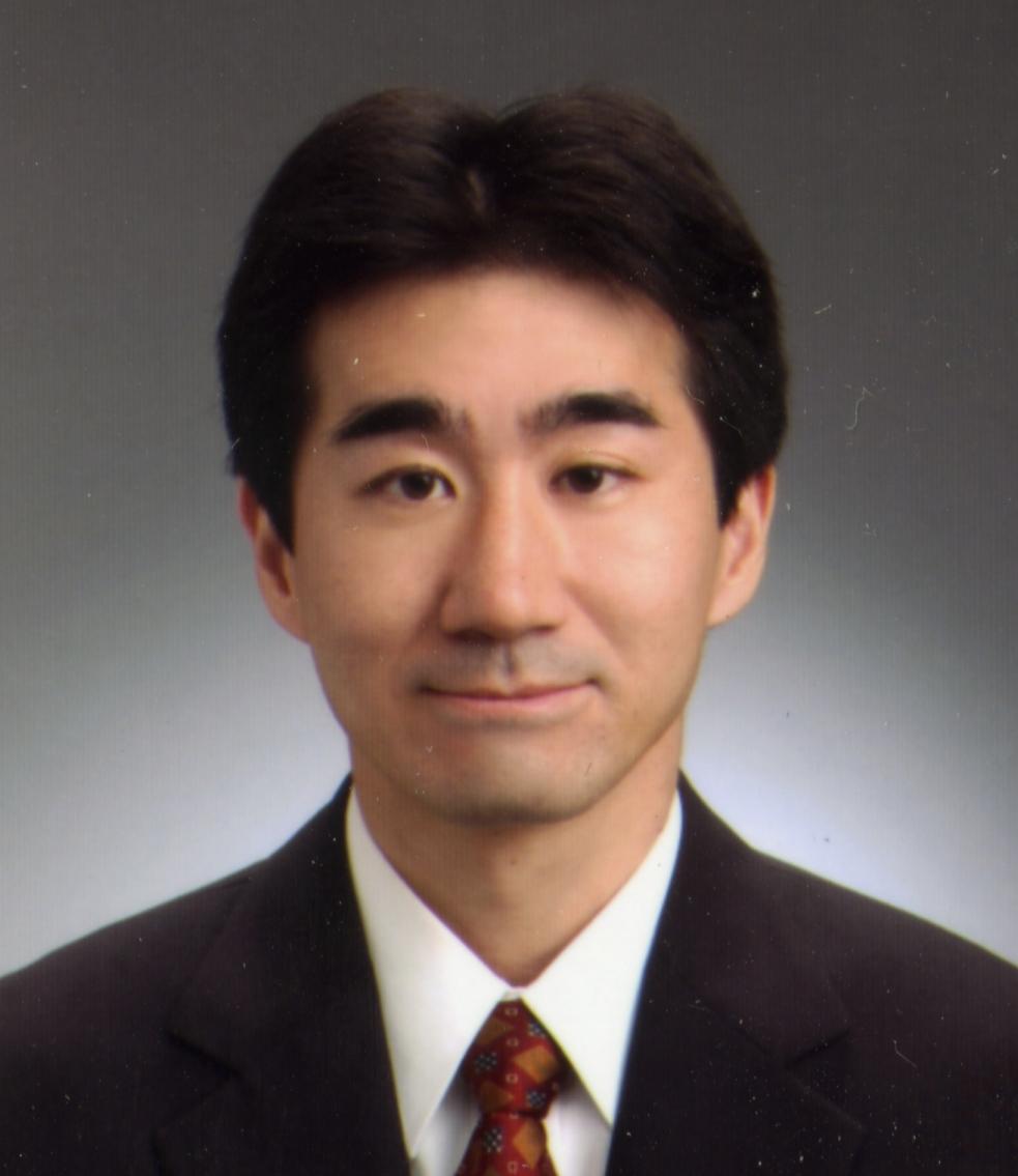 岩壷 健太郎